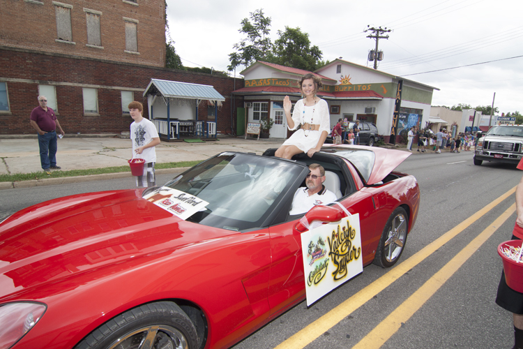 Parades Celebrate Small-Town Values and Down-Home Charm of Berryville